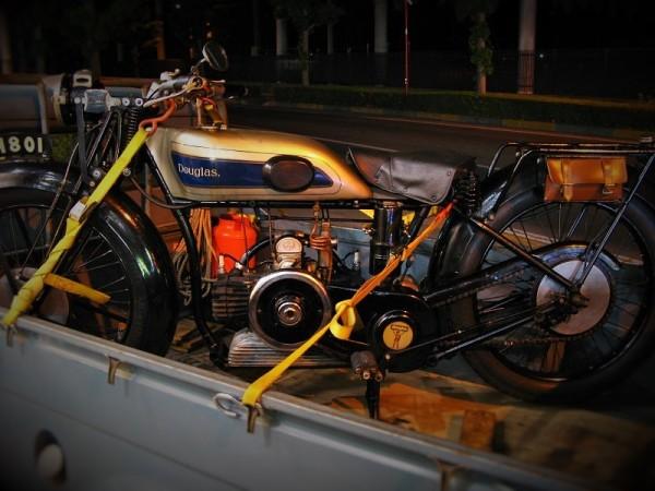 ダグラス バイク