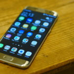Galaxy S7 edge を買う