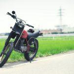OM90マクロでバイクと向日葵